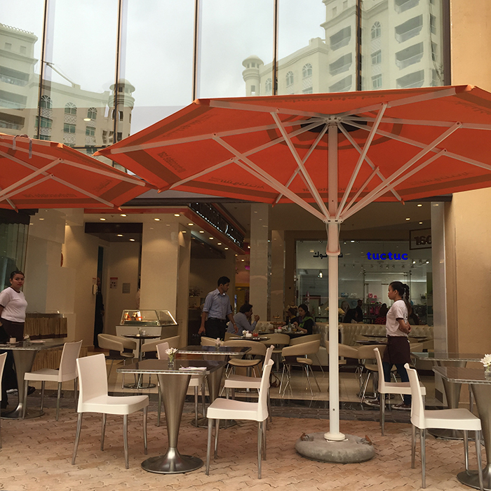 alison-nelson-chocolate-bar-golden-mile-galleria-the-palm-dubai10
